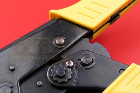 Isolierhülsen 90 Flachsteckhülsen.Flachstecker unisoliert mit Rastnase 6,3mm